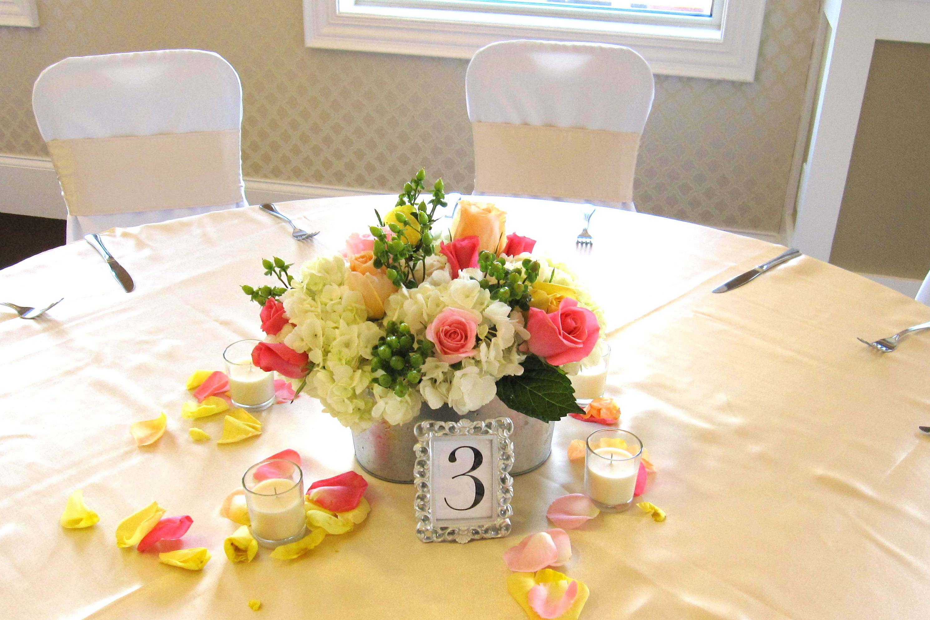 beautiful spring wedding at creekside event center the flowerman. Black Bedroom Furniture Sets. Home Design Ideas